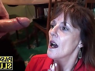 Divorced mature horny lady enjoys having submissive sex