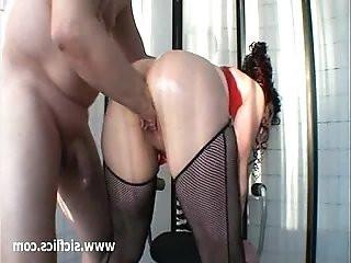 Mature pussy needs massive fisting attack