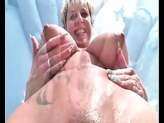 German mature slut lady squirts outdoor