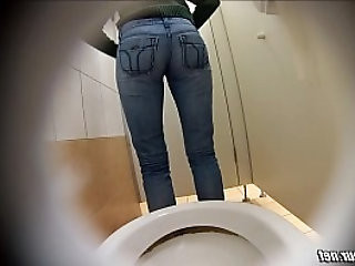 Hot girl peeing hidden cam