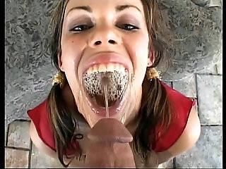 Gia Paloma Drinking Piss