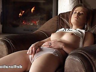 Anna shows her virgin pussy to the camera